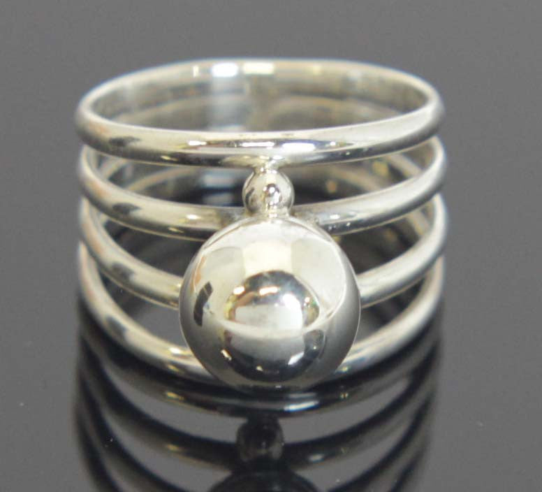 Sterling Silver Ring Ball Size 8