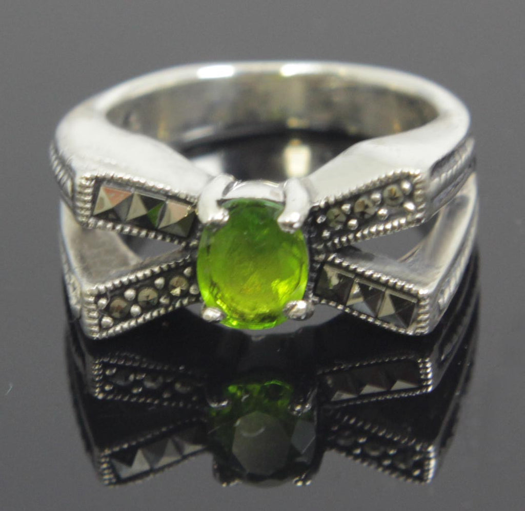 Sterling Silver Peridot CZ Oval Ring Size 8.5