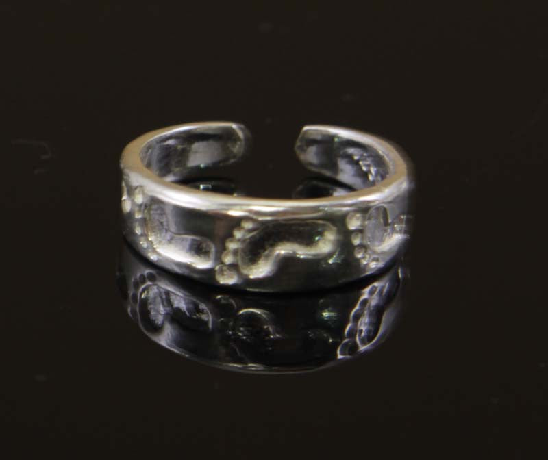 Sterling Silver Embossed Feet Toe Ring