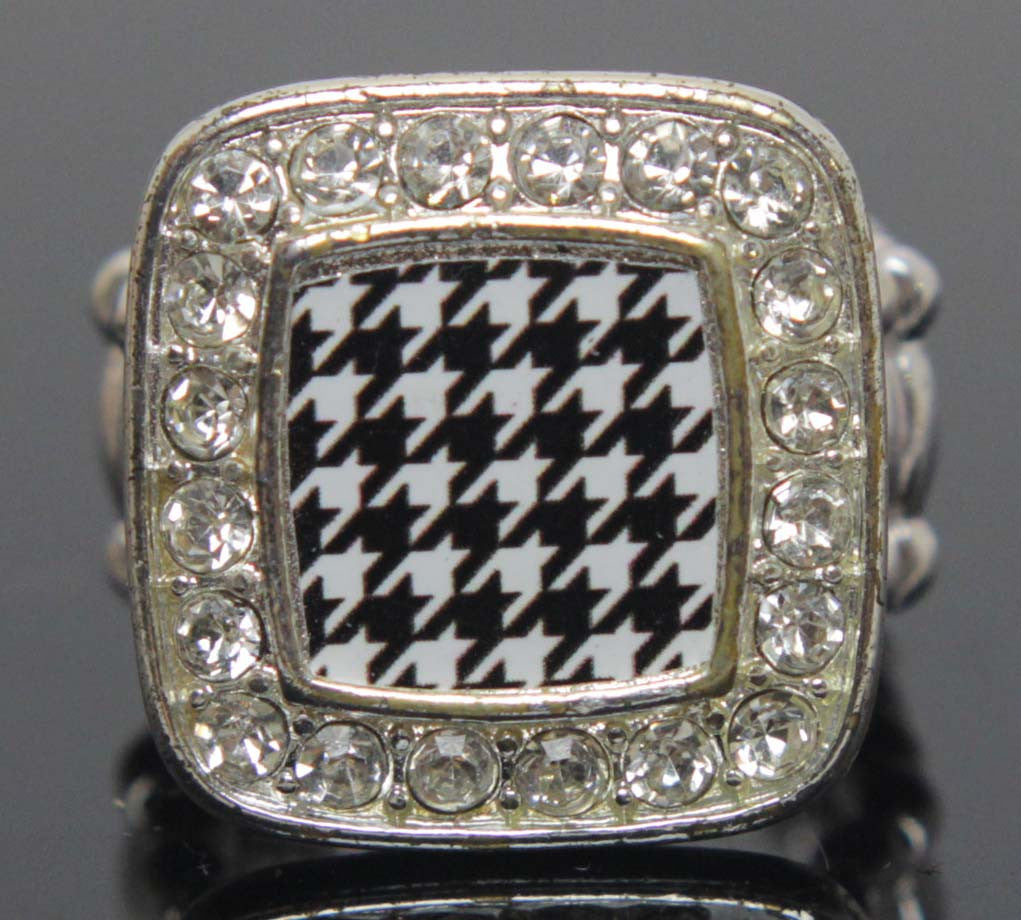 Houndstooth Ring Stretch Diamond