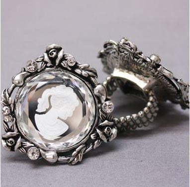 Cameo Stretch Ring