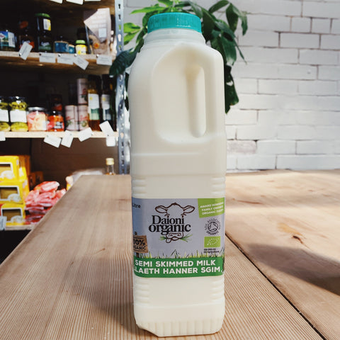 Organic Welsh Semi-Skimmed Milk