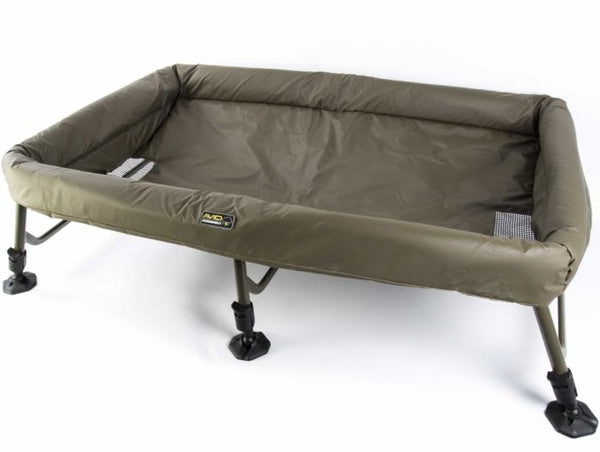 Avid Carp Stormshield Safeguard- XL