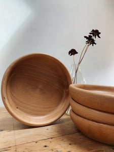 Hand turned shallow bowls / plates for relaxed dining, nature inspired table settings. Available to buy @lulubelltents