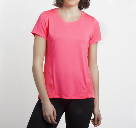 Camiseta de deporte en color rosa flúor. Disponible en varios colores.