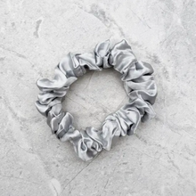 Load image into Gallery viewer, 100% Silk Scrunchie