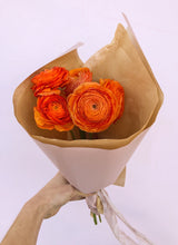 Load image into Gallery viewer, Ranunculus Bunch