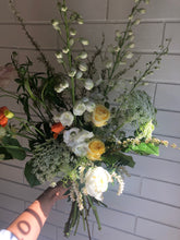Load image into Gallery viewer, Signature Mother's Day Bouquet