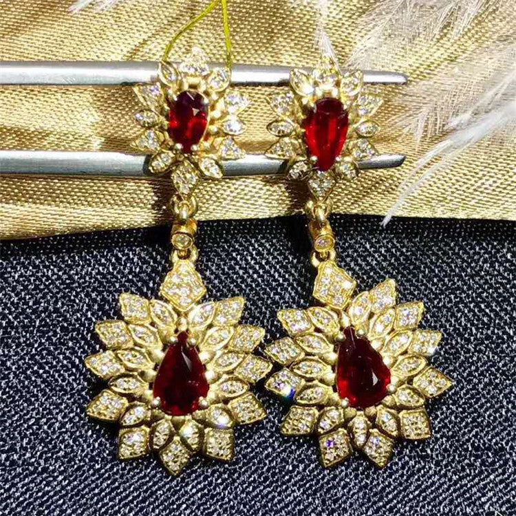 Saudi Arabia royal luxury gemstone eardrop jewelry 18K gold 1.2ct natural pigeon blood red ruby pendant earring