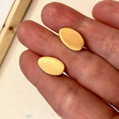 Pebble Post Earrings in Satin Vermeil