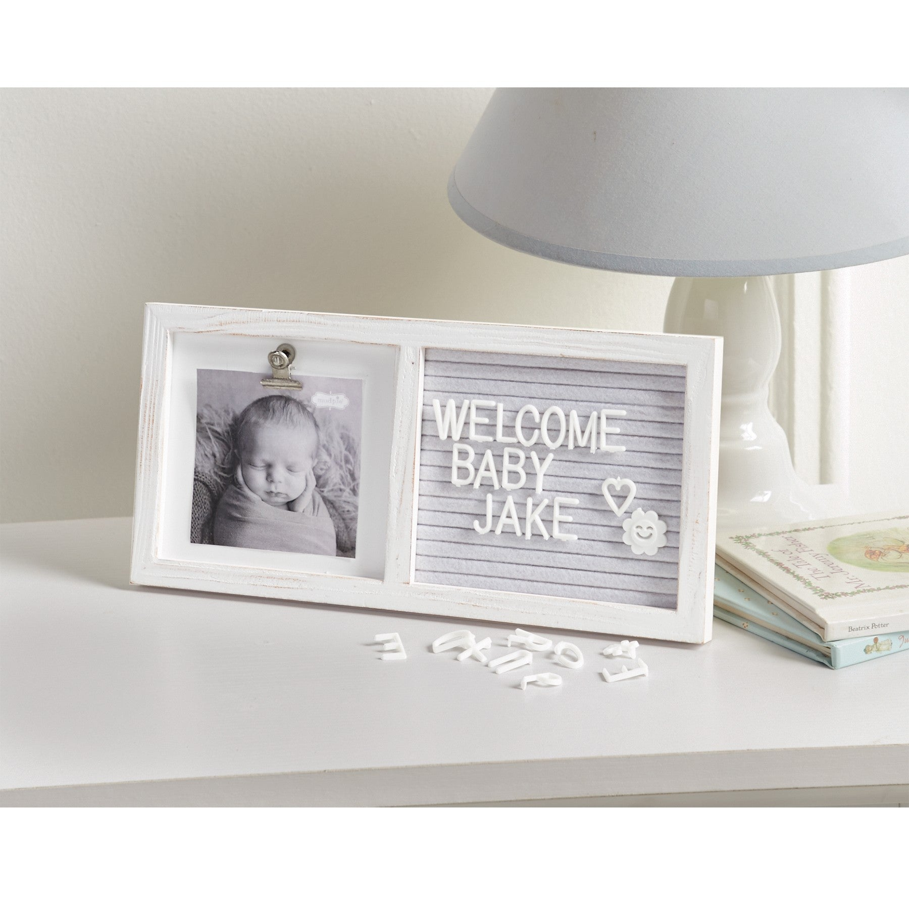 "alt=""White wooden binder clip 4"" x 4"" frame features grey felt message board panel and arrives with assorted interchangeable letter set to customize display message"""