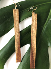 画像をギャラリービューアに読み込む, Natural Hawaiian Koa Wood - 14k Gold Filled Earrings