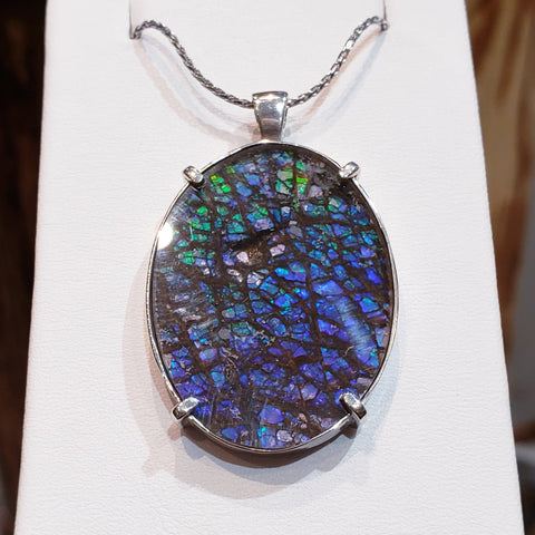 """Acclaim"" Series Genuine Canadian Ammolite 30x40mm Set In Silver."