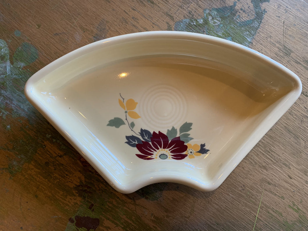 Fiestaware HLCCA Omni Tray - Clematis Flower Position 2