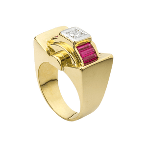 Unsigned Diamond And Yellow Gold Cocktail Ring