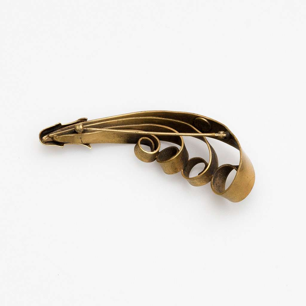 Joseff of Hollywood 1940s Large ''Scroll' Brooch in Brass and Antiqued Gilt