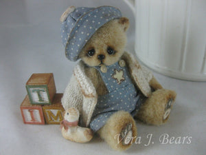 "SOLD    Miniature Artist Bear Tim 3.5"" Handmade by Vera J.Bears"