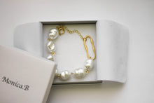 Load image into Gallery viewer, Gardenia Bracelet
