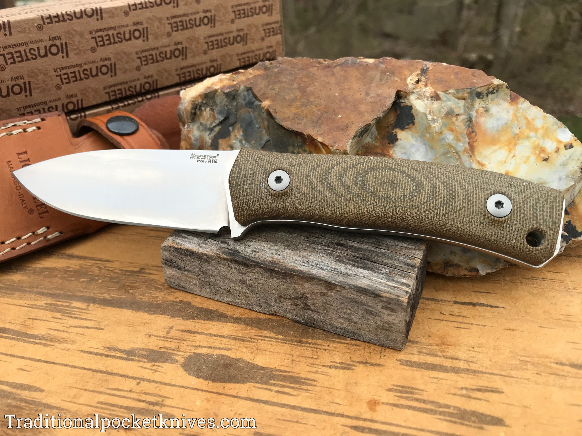 LionSteel M4 Fixed Blade Green Canvas Micarta (M4CVG)