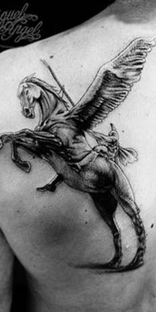 Tatouage cheval ailé guerrier