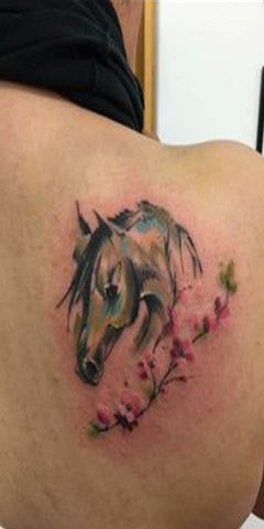 Tattoo Cheval Aquarelle épaule
