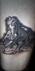 Tatouage Cheval Blanc au galop