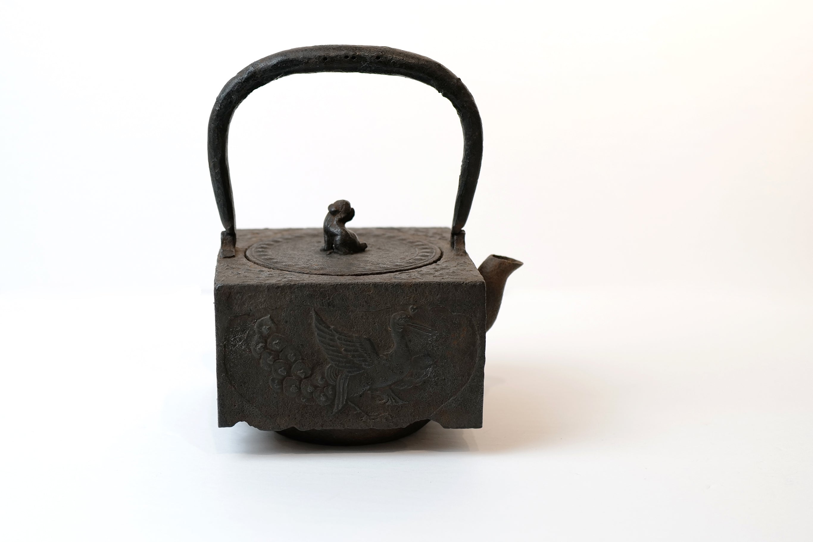 Square Tea Kettle with Lion Lid【狮摘钮·四方】