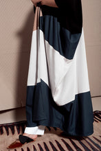 Load image into Gallery viewer, Vivid Blue Abaya