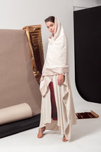 Load image into Gallery viewer, The Dainty Abaya
