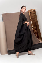 Load image into Gallery viewer, Gold Onyx Abaya