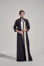 Load image into Gallery viewer, Eccentric Lines Abaya