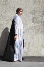 Load image into Gallery viewer, Striped Monochrome Abaya