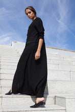 Load image into Gallery viewer, The Decorous Abaya