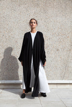 Load image into Gallery viewer, The Transitoire Abaya