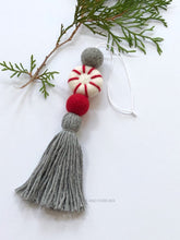 Load image into Gallery viewer, Felt Ball Diffuser - Peppermint