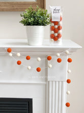 Load image into Gallery viewer, Garland - Orange/White