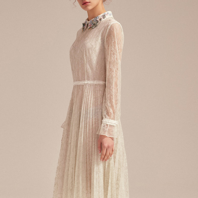 Floral-embellished pleated lace dress