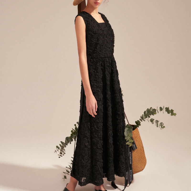 Goddess embroidered evening lace dress