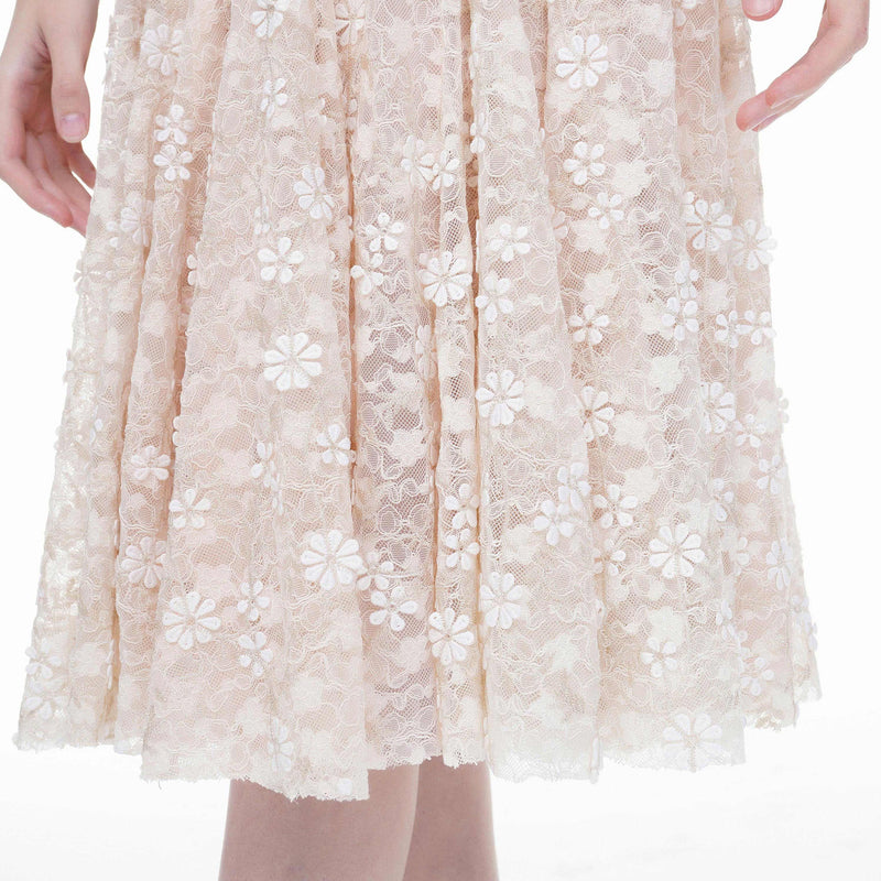 Lady pearl-embellished lace dress