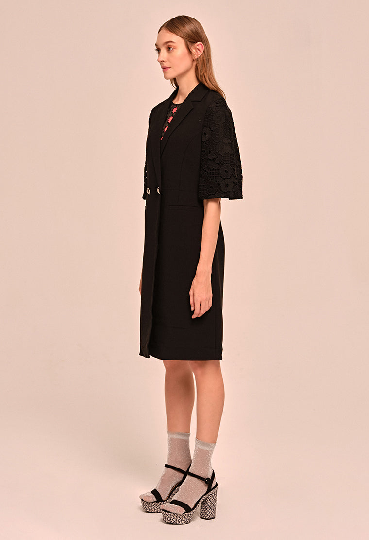 Three-dimensional crepe long coat