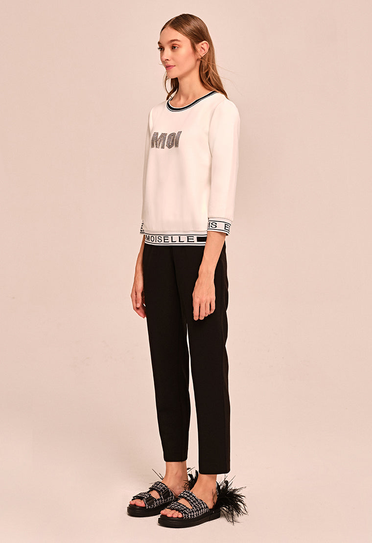 Font beaded sleeve T-shirt