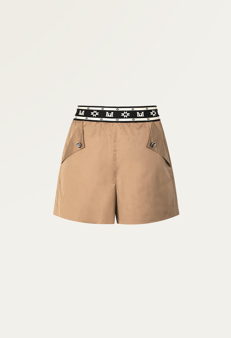 Casual shorts with elastic waistband