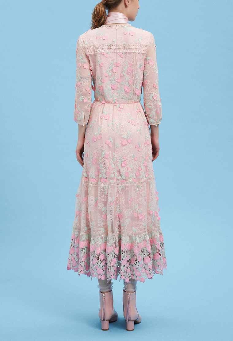 Lace dress with textured patterns