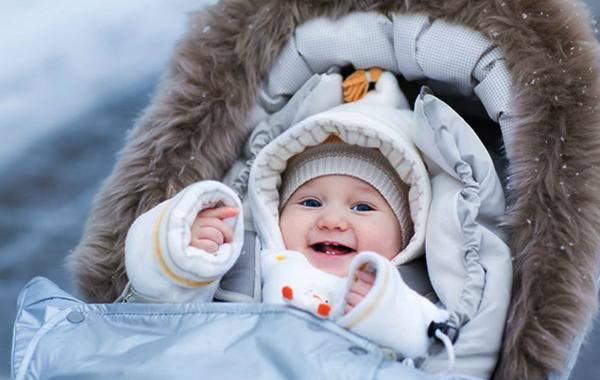 Ways to keep your baby warm and cosy this winter
