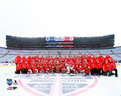 2014 Winter Classic Unsigned 8X10 Photo - Detroit Red Wings Team Photo