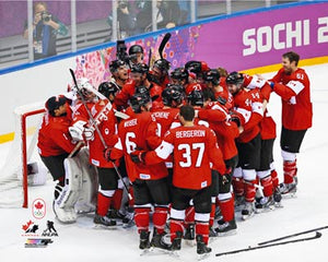 2014 Team Canada - Celebration on Ice Unsigned 8X10 Photo