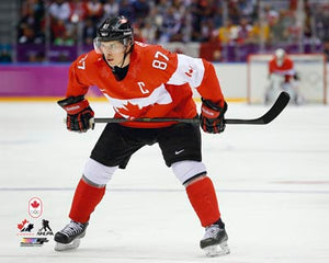 2014 Team Canada - Sidney Crosby Unsigned 8X10 Photo (Faceoff)