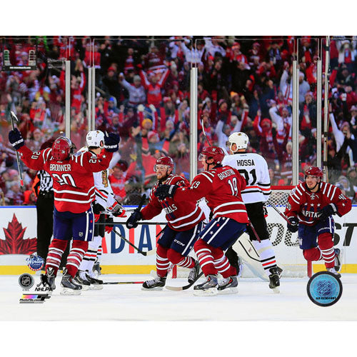 2015 Winter Classic Unsigned 8X10 Photo - Troy Brouwer Goal