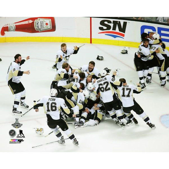 2016 Stanley Cup - Penguins Celebration on Ice Unsigned 8X10 Photo