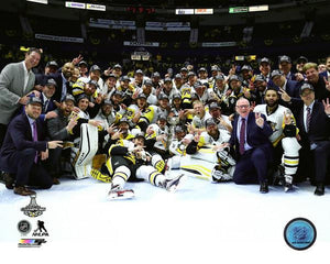 2017 Stanley Cup - Penguins Team Photo Unsigned 8X10 Photo